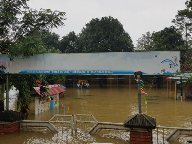 Quảng Trị: Trường học ngập sâu, toàn ngành giáo dục thiệt hại 9,5 tỷ đồng - 1