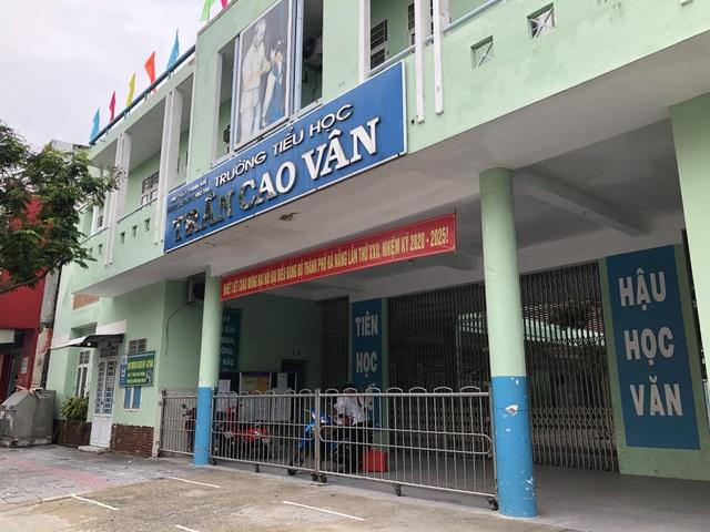 Đà Nẵng: Công trình gần trường sụt lún, học sinh 18 lớp phải di dời - 1