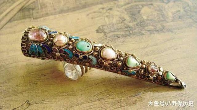 Bí ẩn phía sau bộ móng giả bằng vàng tinh xảo của cung tần, mỹ nữ nhà Thanh - 2