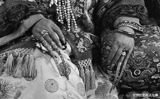 Bí ẩn phía sau bộ móng giả bằng vàng tinh xảo của cung tần, mỹ nữ nhà Thanh - 6