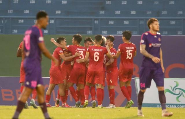 Tiến Linh ghi bàn, B.Bình Dương thắng đội đầu bảng Sài Gòn FC - 2