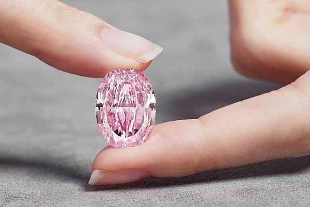 Viên kim cương hồng siêu quý hiếm có thể lên tới 38 triệu USD - 1
