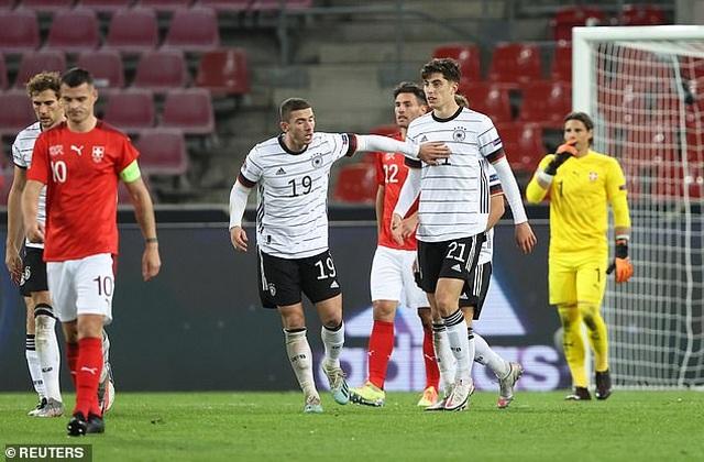 Tây Ban Nha thua sốc Ukraine, Đức hòa thất vọng Thụy Sỹ - 14