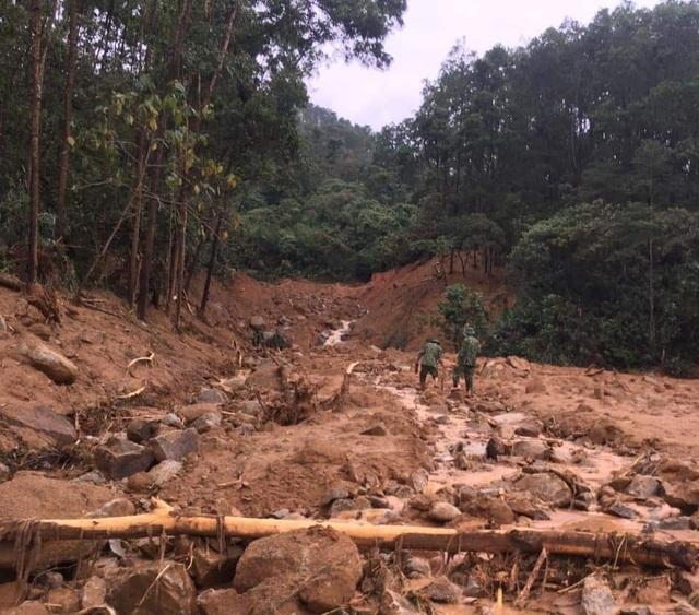Cận cảnh nơi núi lở, Phó Tư lệnh Quân khu và 12 cán bộ mất tích ở Rào Trăng - 7