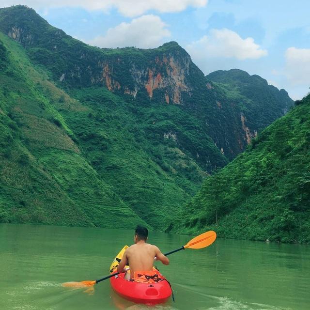 Lên Mã Pí Lèng chèo thuyền kayak, ngắm dòng sông Nho Quế thơ mộng - 7