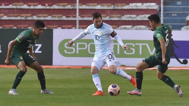 Messi mờ nhạt, Argentina vẫn ngược dòng đánh bại Bolivia - 1