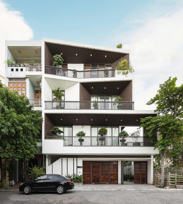 Độc lạ ngôi nhà có mặt tiền hình phễu, nổi bật nhất khu phố ở Hải Dương - 1