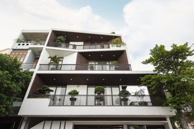 Độc lạ ngôi nhà có mặt tiền hình phễu, nổi bật nhất khu phố ở Hải Dương - 2