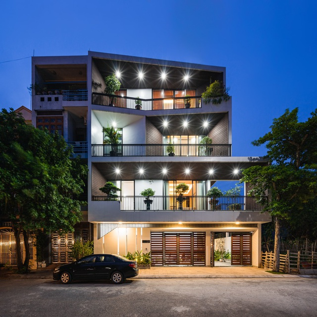 Độc lạ ngôi nhà có mặt tiền hình phễu, nổi bật nhất khu phố ở Hải Dương - 3