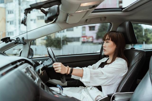 Chỉnh ghế lái như thế nào để ngồi lái xe liền vài giờ không mỏi? - 1