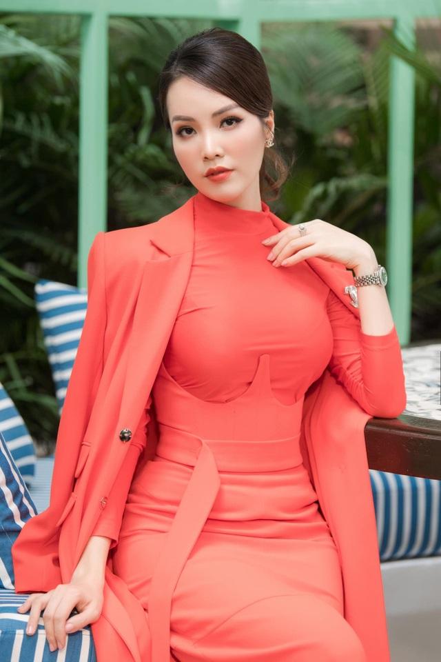 """Á hậu Thuỵ Vân: """"Không có một nghề nào gọi là nghề Hoa hậu cả"""" - 3"""