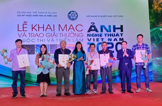 Phóng viên Dân trí đoạt 2 giải tại Cuộc thi Ảnh nghệ thuật Việt Nam 2020 - 1
