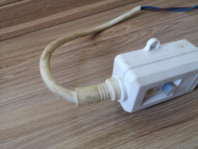 Cảnh giác với chiêu vặt tiền kinh điển của thợ sửa điện nước - 2