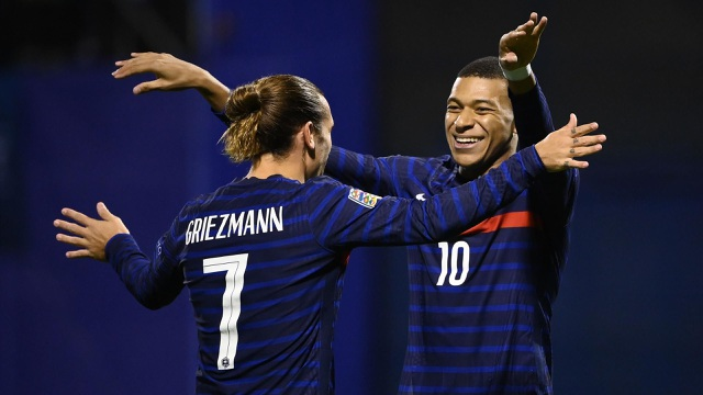 Griezmann, Mbappe đưa tuyển Pháp vượt qua Croatia - 1