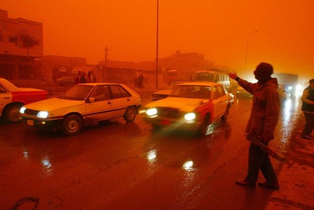 Tại sao một số vùng trên trái đất lại xuất hiện hiện tượng mưa máu? - 3