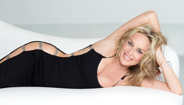 Sharon Stone tiết lộ lý do chụp ảnh mát - 2
