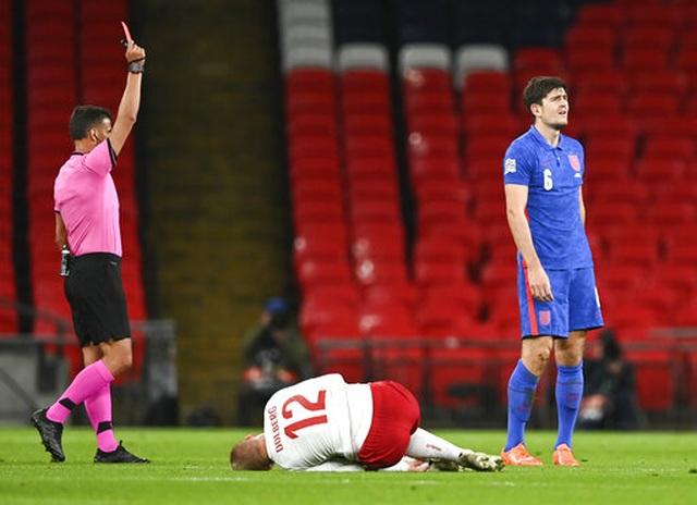 Maguire bị đuổi, tuyển Anh thua đau trước Đan Mạch - 1