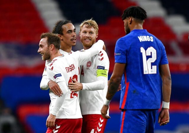 Maguire bị đuổi, tuyển Anh thua đau trước Đan Mạch - 2