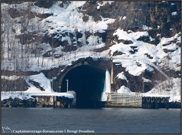 Mỹ muốn thuê căn cứ tàu ngầm nằm sát Nga - 6