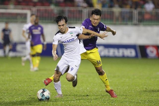 Thắng đậm HA Gia Lai, CLB Hà Nội áp sát ngôi đầu bảng V-League - 2