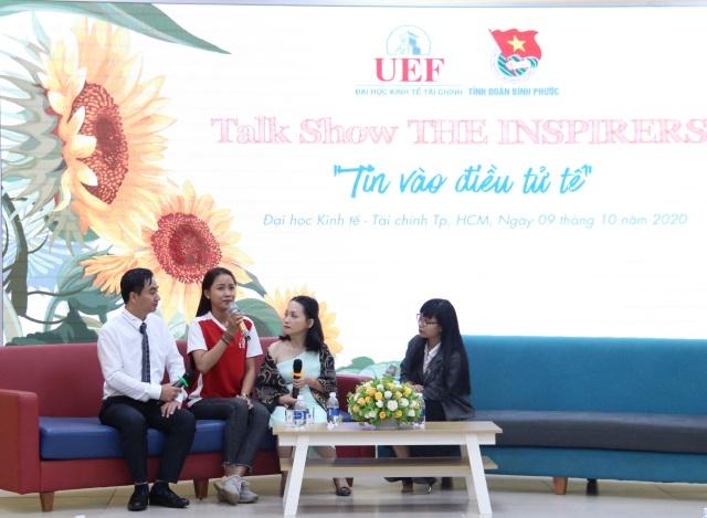 Nữ nhà văn cao 1m32 truyền cảm hứng về nghị lực sống tới sinh viên - 3