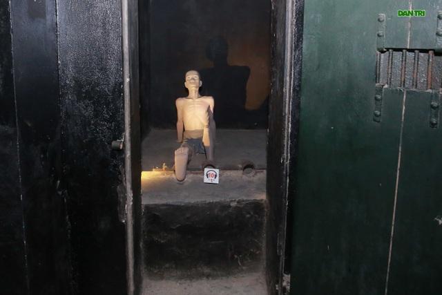 """Tận mắt máy chém thời trung cổ trong """"địa ngục trần gian"""" ở Hà Nội - 12"""