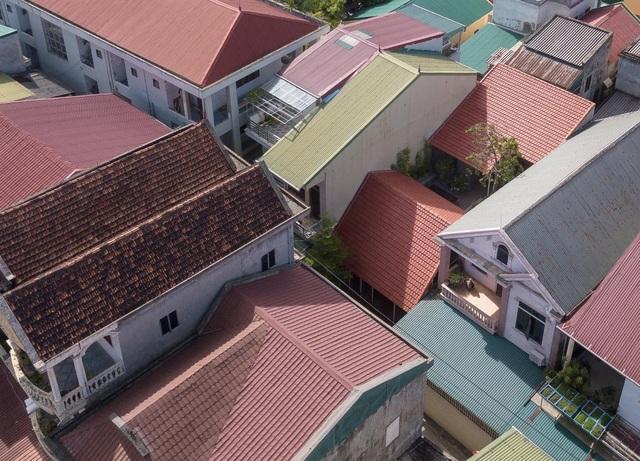"""Nhà ở Nghệ An như """"đi nghỉ dưỡng"""" nhờ sân vườn xanh mát quanh năm - 1"""