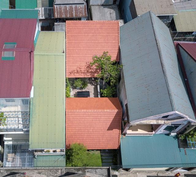 """Nhà ở Nghệ An như """"đi nghỉ dưỡng"""" nhờ sân vườn xanh mát quanh năm - 6"""
