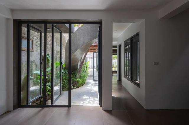 """Nhà ở Nghệ An như """"đi nghỉ dưỡng"""" nhờ sân vườn xanh mát quanh năm - 11"""