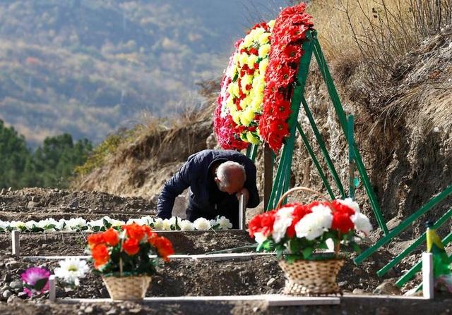 Azerbaijan tuyên bố phá hủy số vũ khí trị giá 1 tỷ USD của Armenia - 2