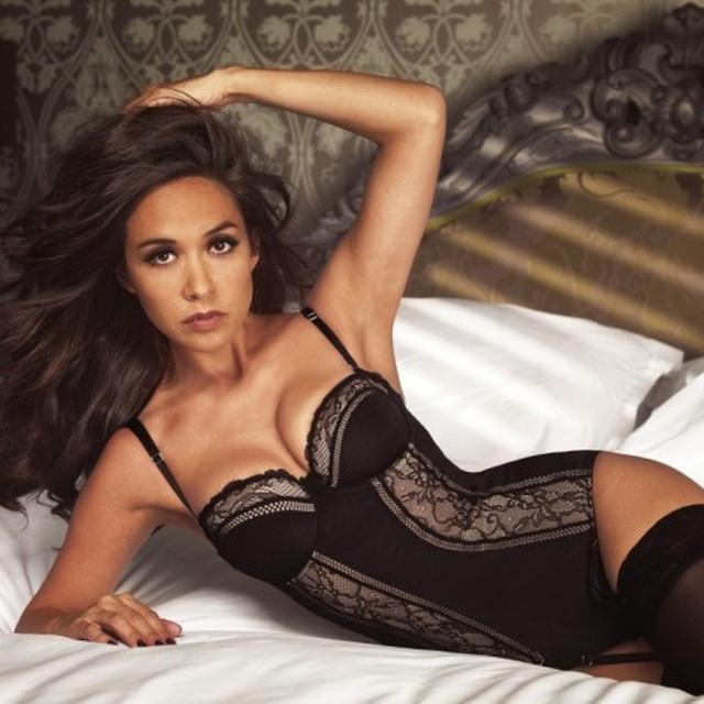 MC Hoa hậu thế giới tiết lộ từng sảy thai 4 lần - 4