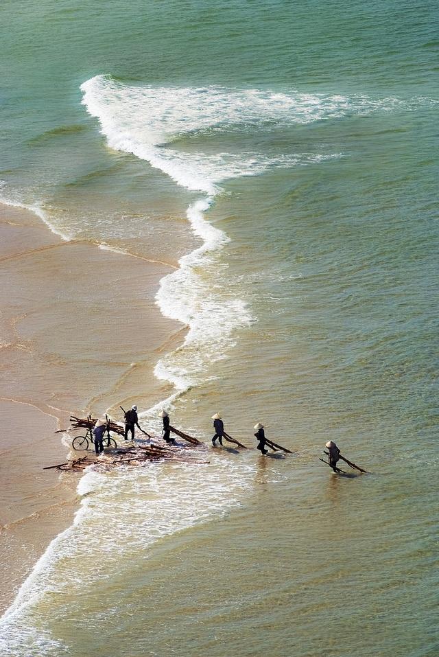 Triển lãm giới thiệu vẻ đẹp biển Việt Nam, cảnh báo nguy cơ rác thải nhựa - 2