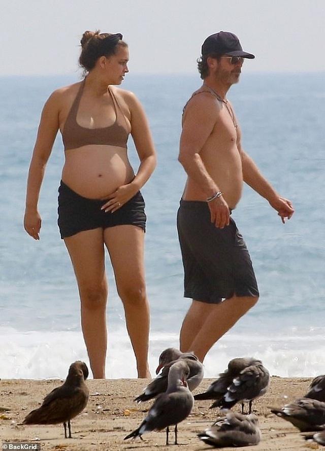Người mẫu 9X April Love Geary thừa nhận mang thai lần 3 ngoài kế hoạch - 7