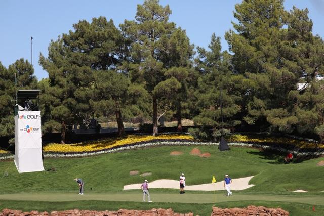 Những khoảnh khắc thú vị tại sân golf sang chảnh nhất thế giới - 3