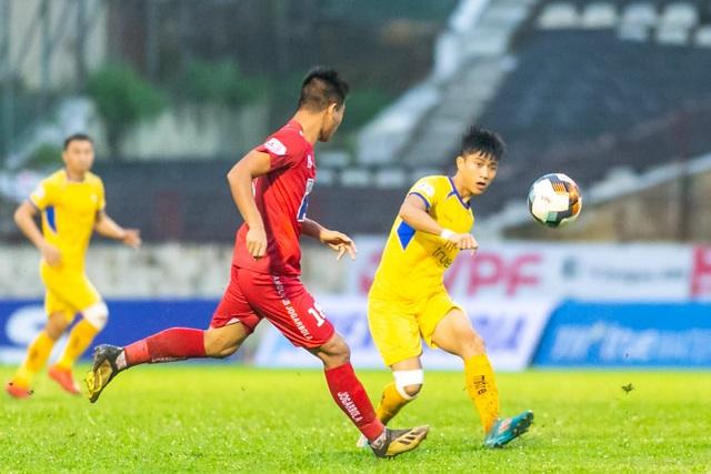 Thắng Hải Phòng, SL Nghệ An trụ hạng sớm 3 vòng đấu - 1