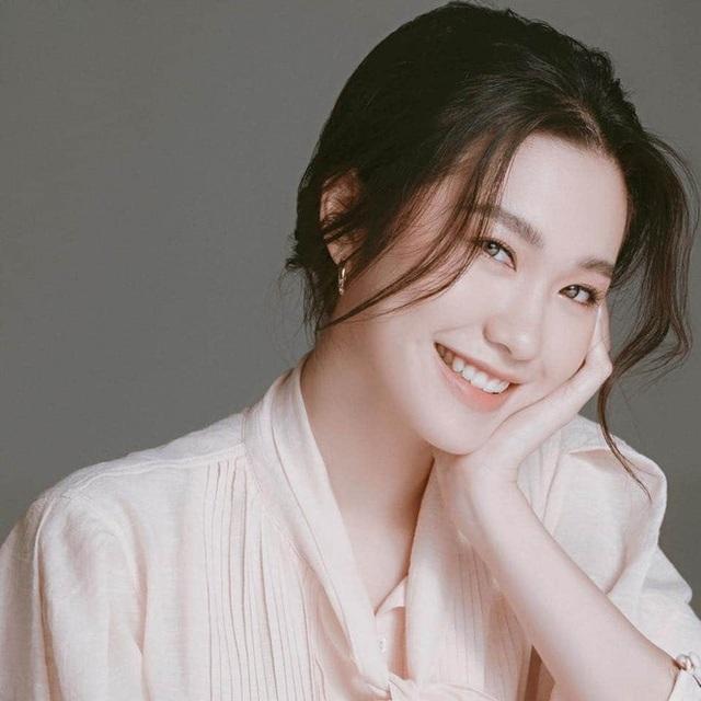 Ngẩn ngơ nhan sắc đời thường của loạt thí sinh Hoa hậu Việt Nam 2020 - 5