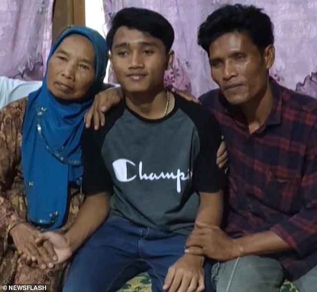 Sau 12 năm bị bắt cóc, thiếu niên tìm lại gia đình nhờ ứng dụng Google Maps - 1