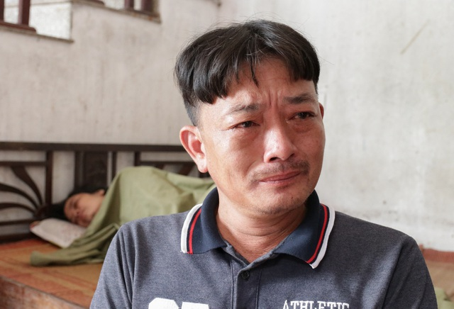 Người đàn ông bất lực nhìn 4 con thơ nguy cơ thất học, vợ chồng bệnh hiểm - 5