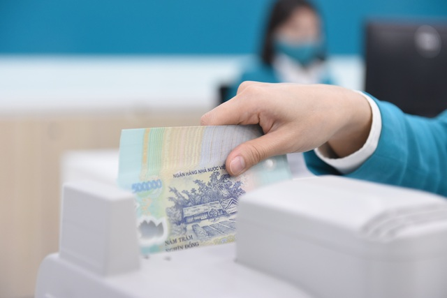Lãi suất tiết kiệm VND ngân hàng nào cao nhất hiện nay? - 1