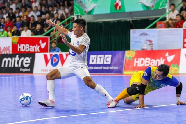 Thắng tuyệt đối Sanvinest Sanna Khánh Hòa, Thái Sơn Nam vô địch trước 3 vòng đấu - 5