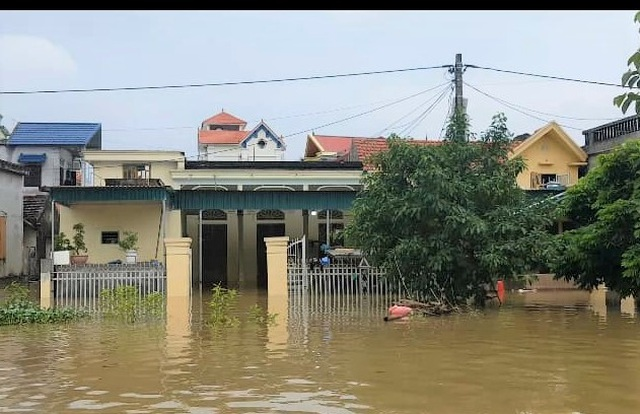 Ninh Bình: Nước lũ dâng nhanh, gần 300 học sinh phải nghỉ học - 1
