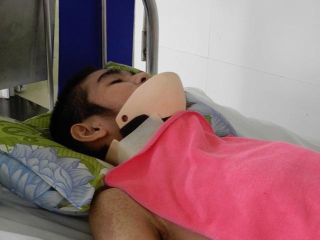 Xót xa cảnh mẹ nghèo chăm con trai nằm liệt sau tai nạn giao thông - 2