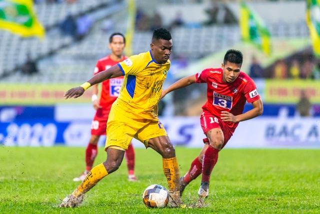 Thắng Hải Phòng, SL Nghệ An trụ hạng sớm 3 vòng đấu - 2