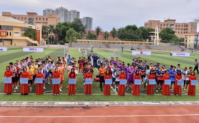 Ấn tượng Lễ khai mạc Giải bóng đá Kinh tế Môi trường lần I-2020 - 2