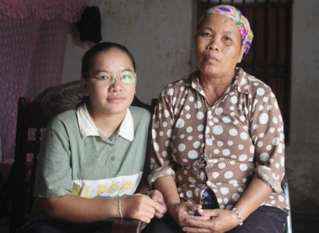 Cô gái u máu, chăm mẹ ung thư được bạn đọc ủng hộ gần 60 triệu đồng - 4