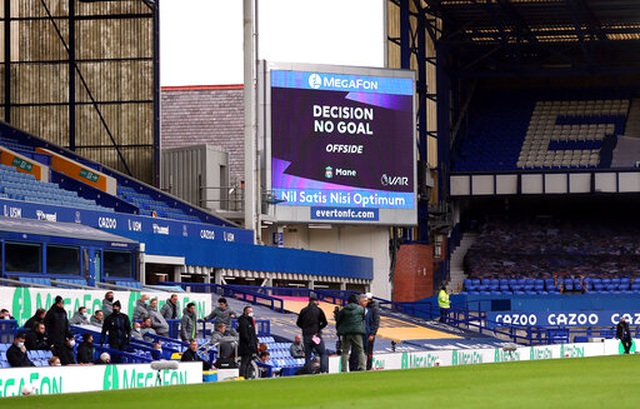 Everton 2-2 Liverpool: Màn rượt đuổi quyết liệt - 2