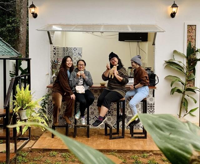"""Đóng 3 cửa hàng ở Hà Nội, cặp đôi """"bỏ phố, lên rừng"""" làm nhà đẹp như mơ - 15"""