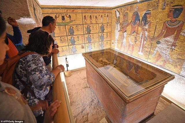 Giải mã bí ẩn trong mộ vị Pharaoh nổi tiếng nhất Ai Cập chứa nhiều đồ ăn - 5