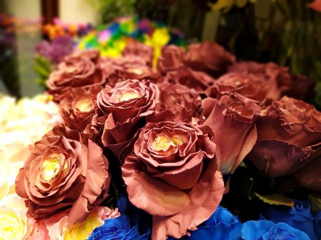 Một doanh nghiệp chi 200 triệu đồng mua hoa tươi tặng chị em dịp 20/10 - 3