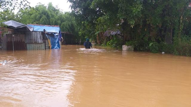 Đà Nẵng: Mưa xối xả, nhiều nơi ngập nặng - 1